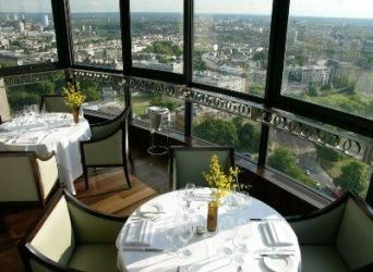 How to get the best table in a London restaurant