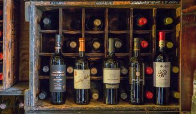 Historical El Vino opens modern new wine bar in London Wall