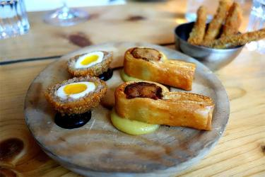 Gezellig x Carousel: Lamb fat toasties, dirty duck bakes and all with wine pairings