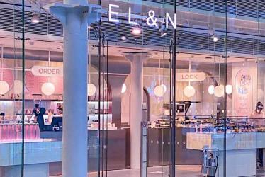 EL&N Cafes have just opened a new grab and go cafe in St Pancras. And yes, it's VERY pink.