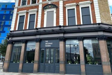 The Archway Tavern has finally reopened its doors