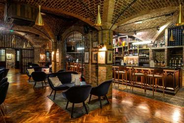Pall Mall gets a new underground champagne bar from Searcys