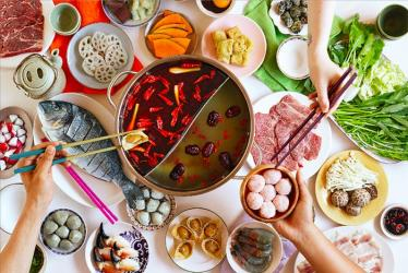 Chinese hot pots for Chinatown with Shuang Shuang