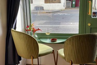 Must & Lees wine shop, tasting room and school opens in Barnsbury