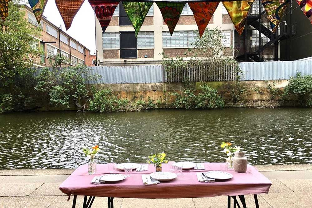towpath cafe hackney is open