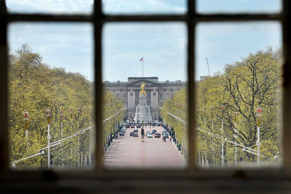 the view from admiralty arch waldorf astoria's restaurant