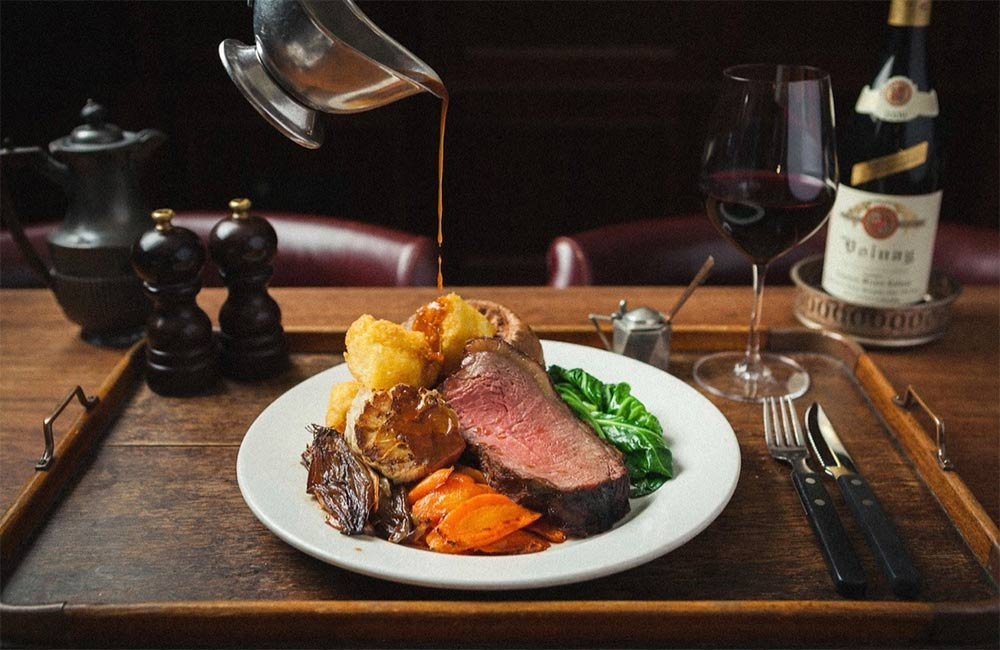 As the definition between days has become somewhat blurred our tradition of Sunday Lunch can be an important marker of the week. But that doesn't mean you have to prepare the whole thing yourselves. To help, we've collated the best Sunday Lunch deliveries, that are currently available across London.