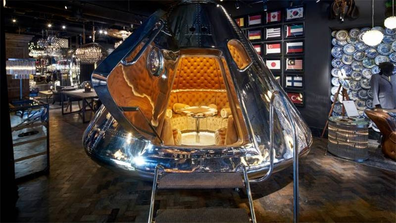 Gordon Ramsay has launched a space capsule lounge at Bread Street Kitchen
