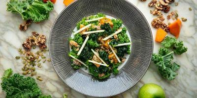 尝尝新的100份素食圣餐菜单,即可享用免费鸡尾酒。